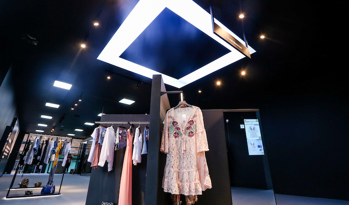 new alibaba concept store teases future of fashion retail. Black Bedroom Furniture Sets. Home Design Ideas