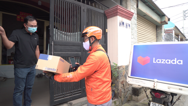 Lazada delivering during Covid